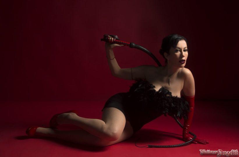 Suprematie feminine 01 maitresse angelik dominatrice sur paris